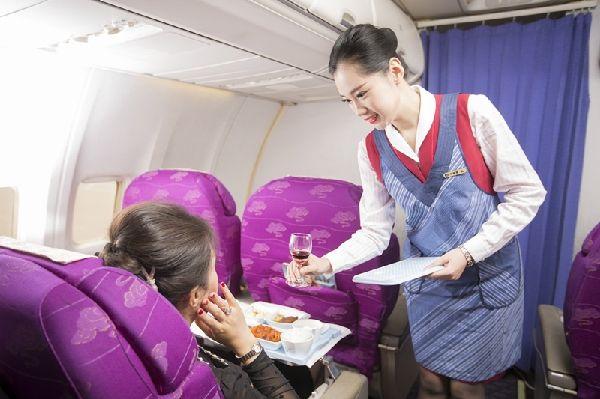 """山航连续5年获""""最佳航司""""奖,让服务直达旅客内心"""