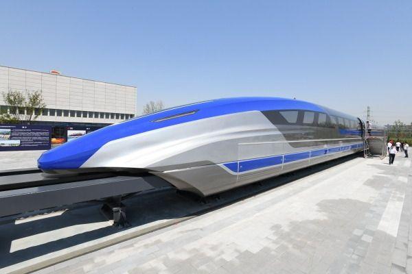 """""""中国第一飞车""""起步:京沪线3.5小时 快过飞机"""