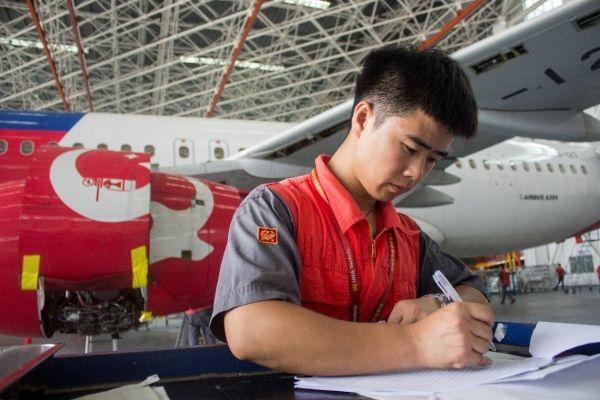 海南地区首架进境定检维修飞机顺利交付