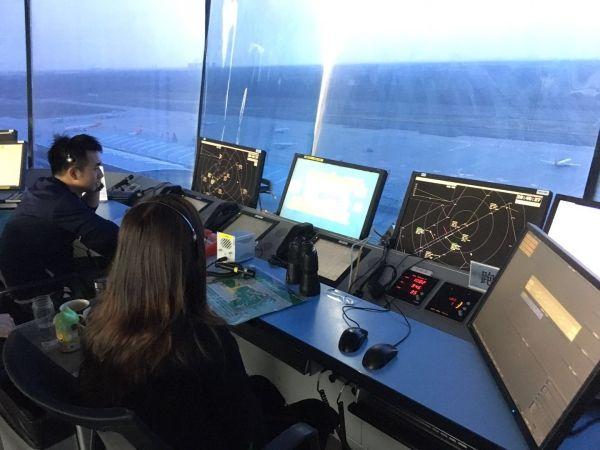 西北空管构筑空中生命桥梁 搭建航班安全之路