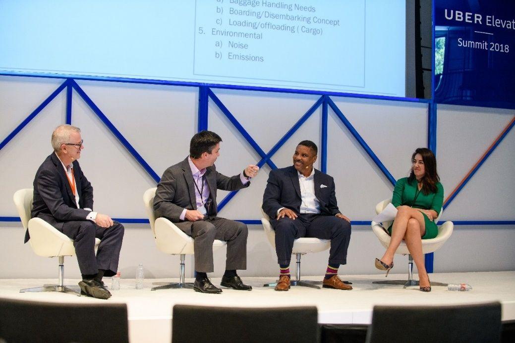 2018年Uber高端峰会,左一为兰德隆布朗公司亚太区总裁Gary Gibb(图源自Uber官网)