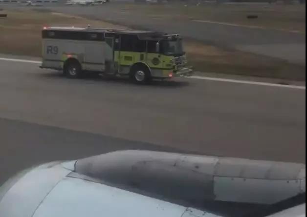 满载112人的航班飞行途中空姐嗅出了异常