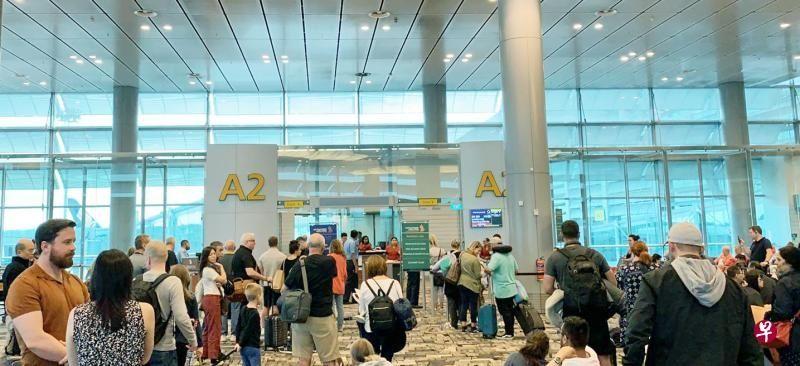 10天内又一次 新加坡飞英国伦敦航班延误7小时