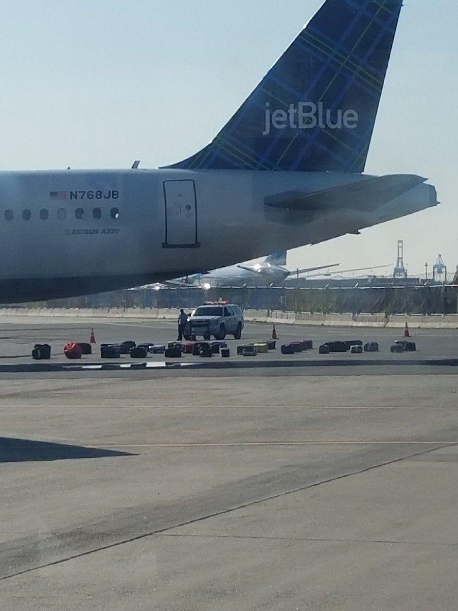 有诈弹?有异味?捷蓝航空在美一机场连出状况