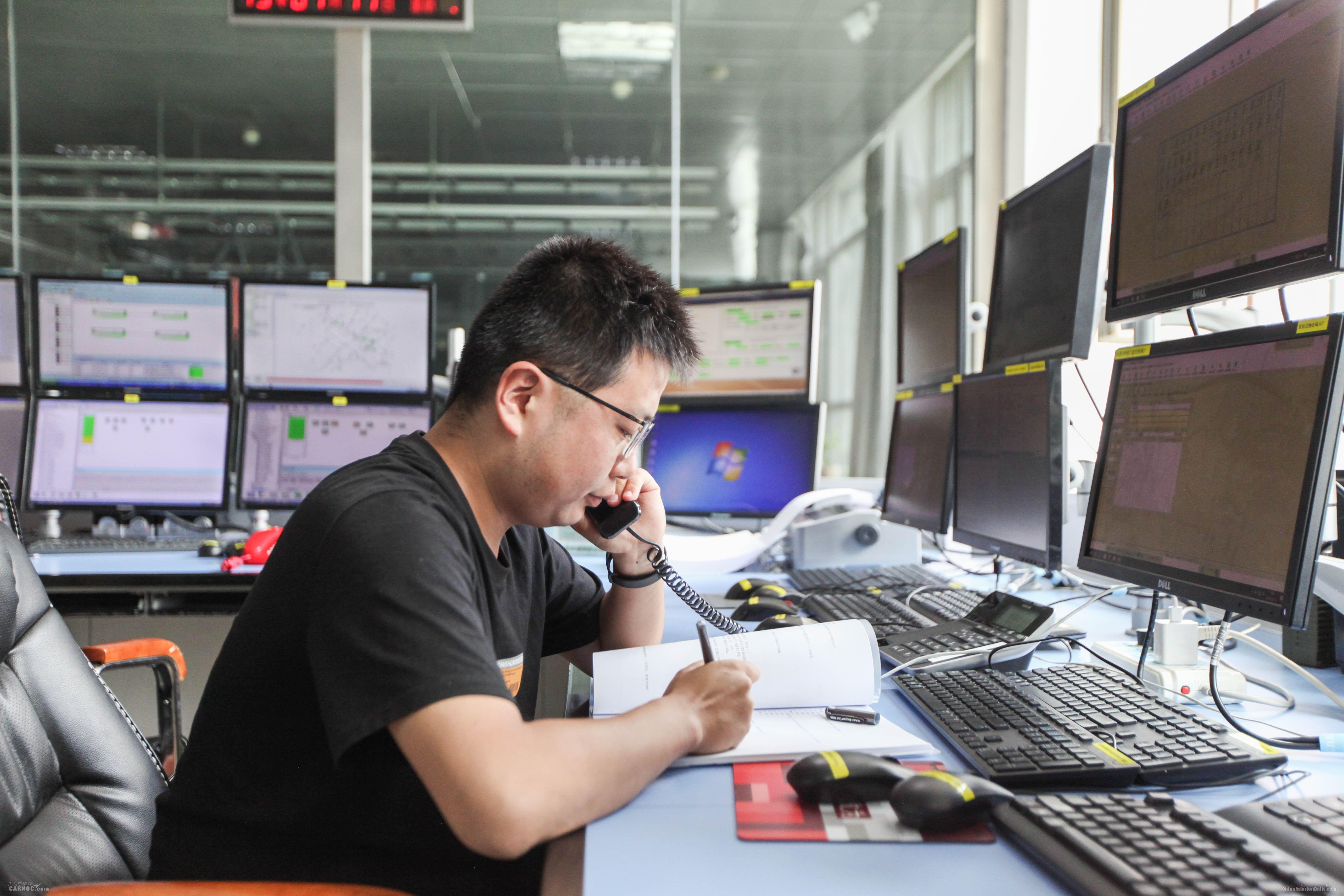 青海空管分局保障航班起降架次再创新高