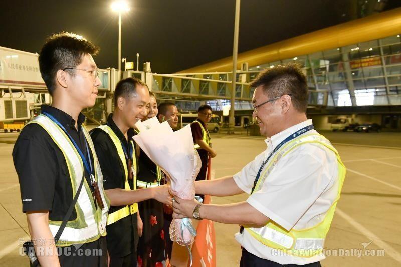 东航安徽分公司顺利实现安全飞行35周年 摄影:徐宁