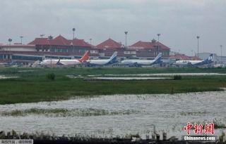 印度洪灾致数十人死亡 一国际机场被淹关闭