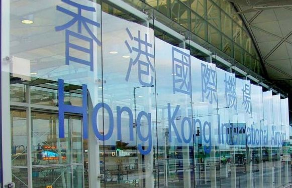 大批非法集会者离开 香港机场明早6点起重新编配航班