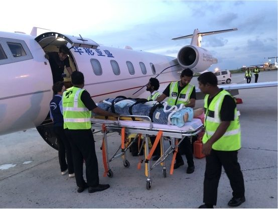 华彬亚盛专机赴马尔代夫接送重症病患回国治疗