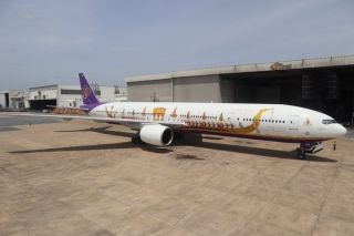 抢鲜看!泰国航空推出新龙舟彩绘飞机