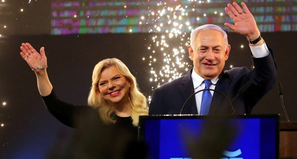 因未受到隆重欢迎气到跳起 以色列总理夫人大闹飞机