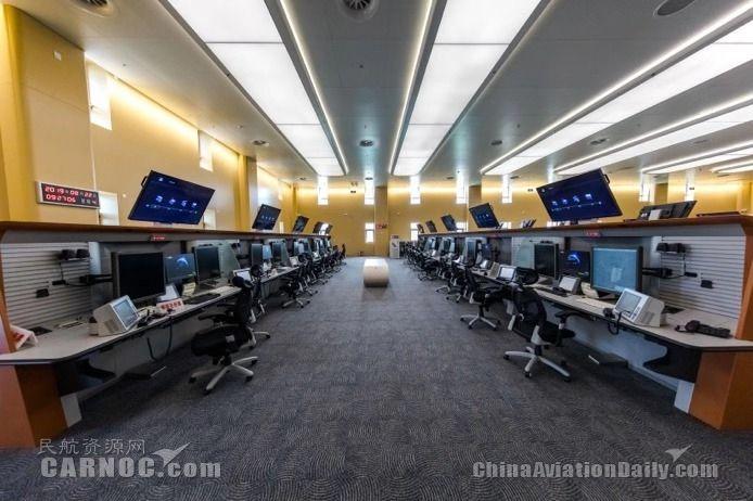 """全国最大终端管制中心正式运行 """"两市三场""""由此指挥。华北空管局供图"""