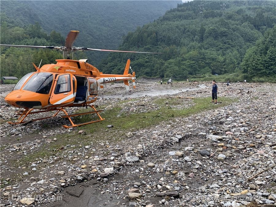 图片 地空联动72小时救援 大邑西岭雪山后山被困