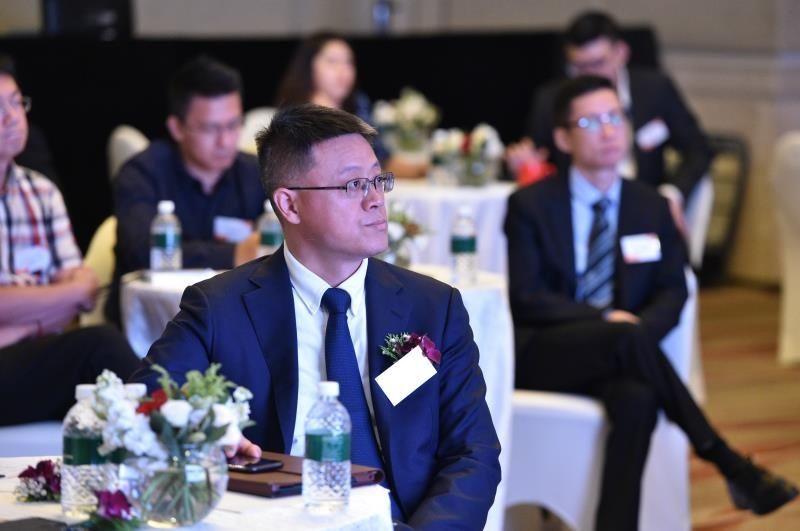 """飞友科技CEO郑洪峰:从""""开放难""""到""""应用难""""出行数据进入智能化时代"""
