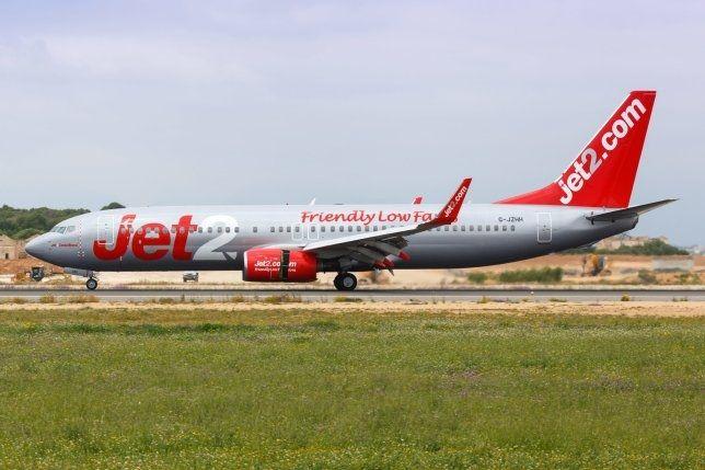 Jet2航空飛行途中當班機長暈倒 機上休班機長伸援手完成緊急備降