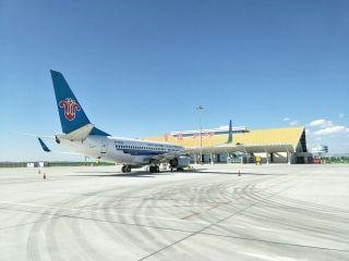 富蘊機場8月保障各類飛行6397架次