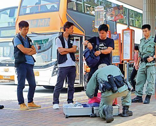 """香港警察成功瓦解""""和你塞3.0"""" 成功驱散示威者"""
