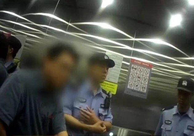 醉酒男子飞机上霸占机组人员座位 被限制乘机一年