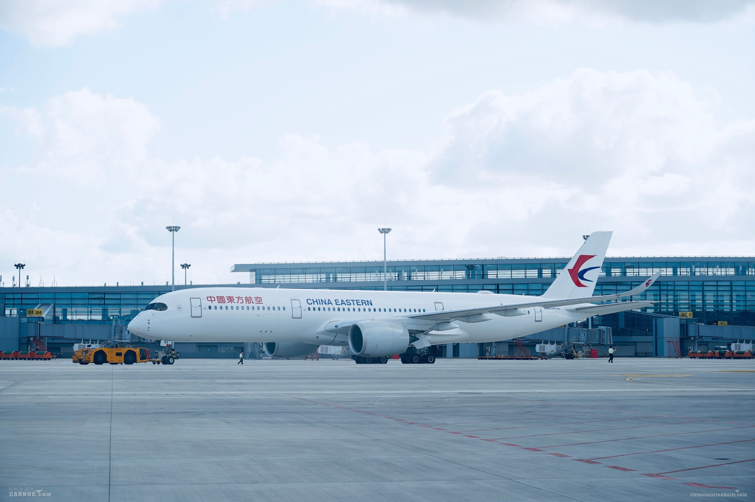 图片 东航开启上海浦东机