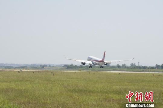 成都机场中秋假期运送旅客40.5万人次 同比增长3.95%