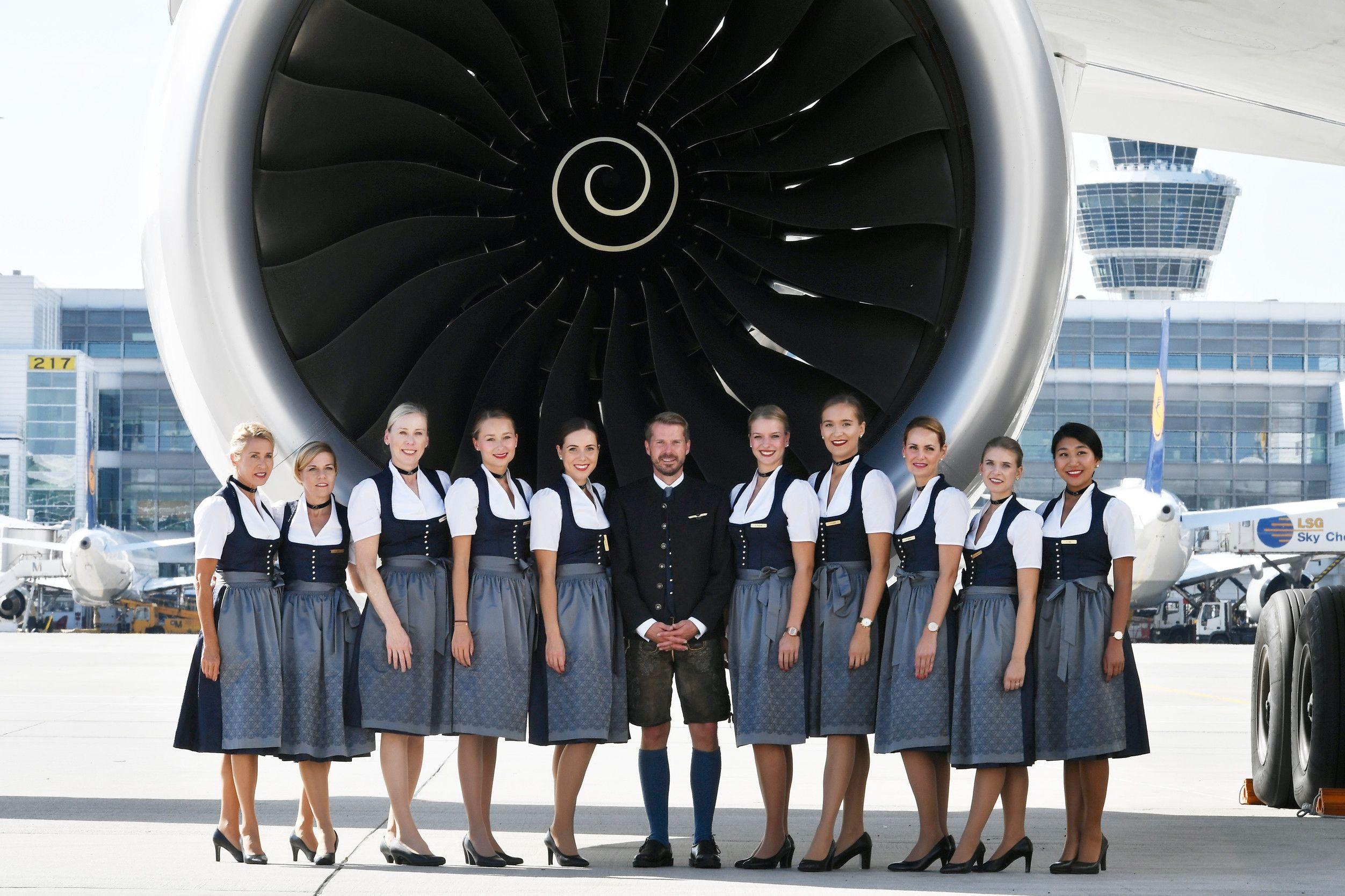 共慶全球最大啤酒節:身著慕尼黑傳統服飾的機組現身漢莎航班