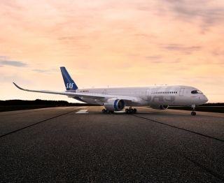 高清|北欧航空21年来首次更换飞机涂装