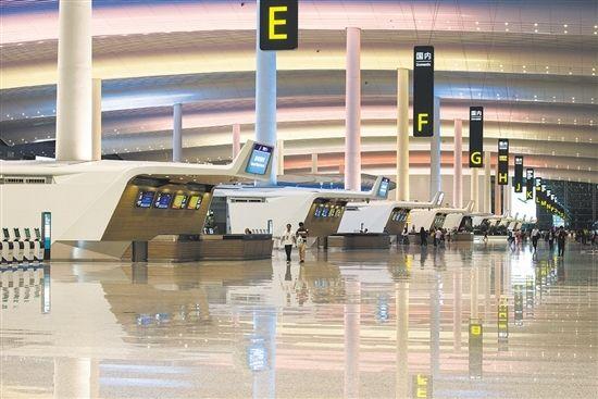 广州白云国际机场:铺就新丝路,航线遍全球