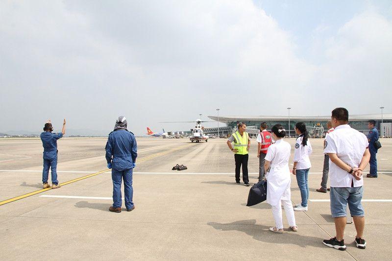 潮汕机场协力南海救助飞行队救助遇险船员14名