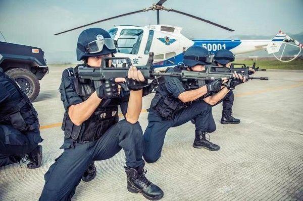 重庆通航集团携恩斯特龙480B直升机亮相直博会