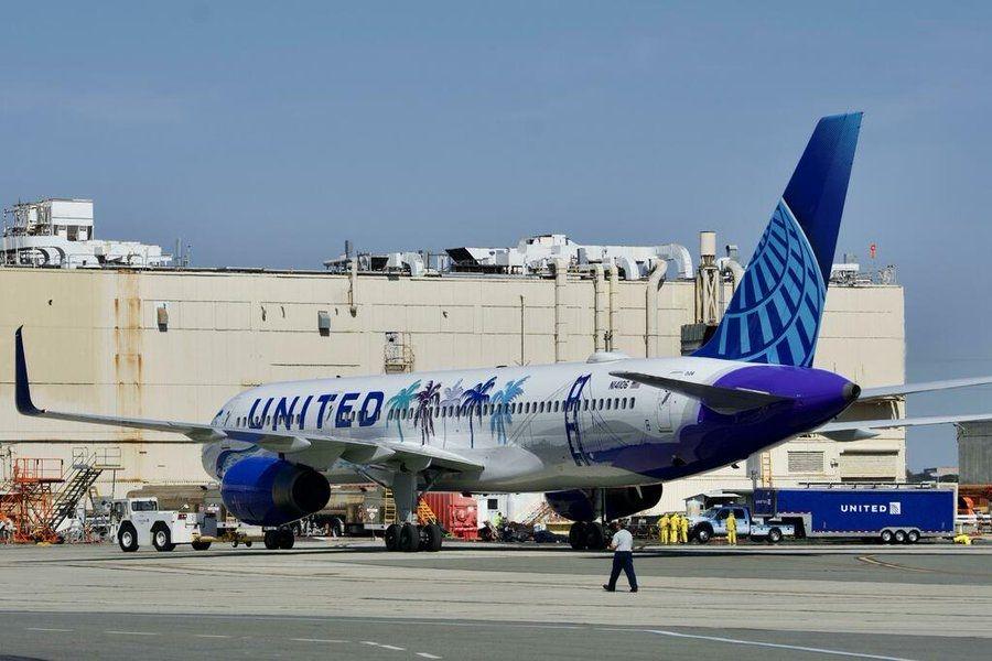 美联航新加利福尼亚彩绘飞机  图片来源:Jet Stream