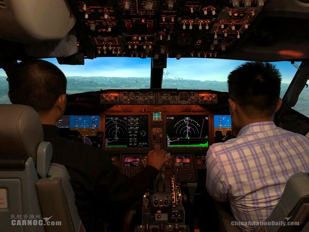 波音邀请中国飞行员通过模拟机体验升级后的737MAX