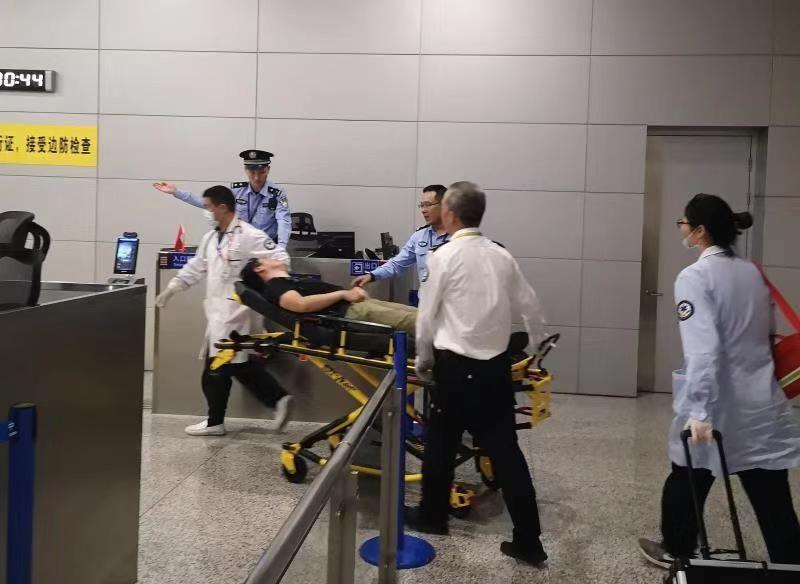 旅客突发心脏疾病 东京飞往迪拜航班备降浦东机场