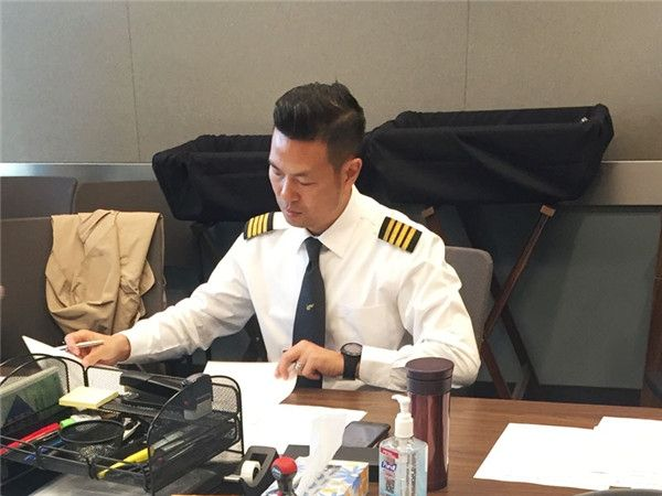 昆明航空首位功勋飞行员程仲刚:匠心铸就安全