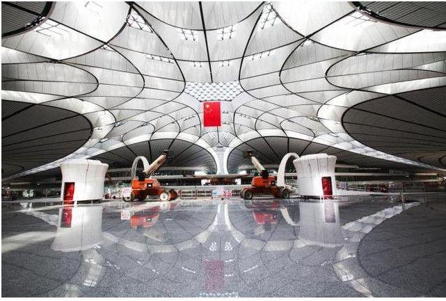 大兴机场核心区仅用8根C型柱支撑,国内绝无仅有