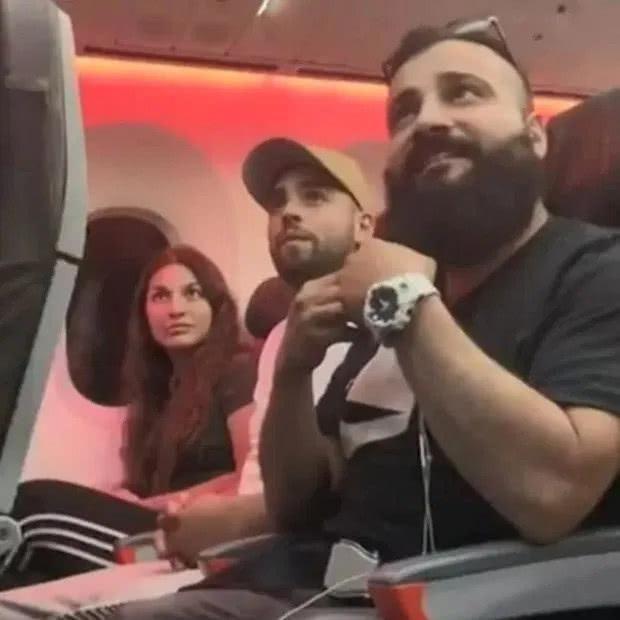 """澳洲夫妇声称他们一家20口被赶下飞机,只因""""长得像穆斯林"""""""