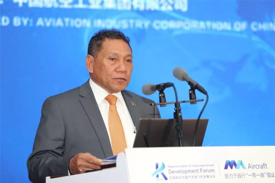 所罗门群岛通讯与航空部部长 Peter Shanel Agovaka致辞 摄影:西飞民机 夏毅