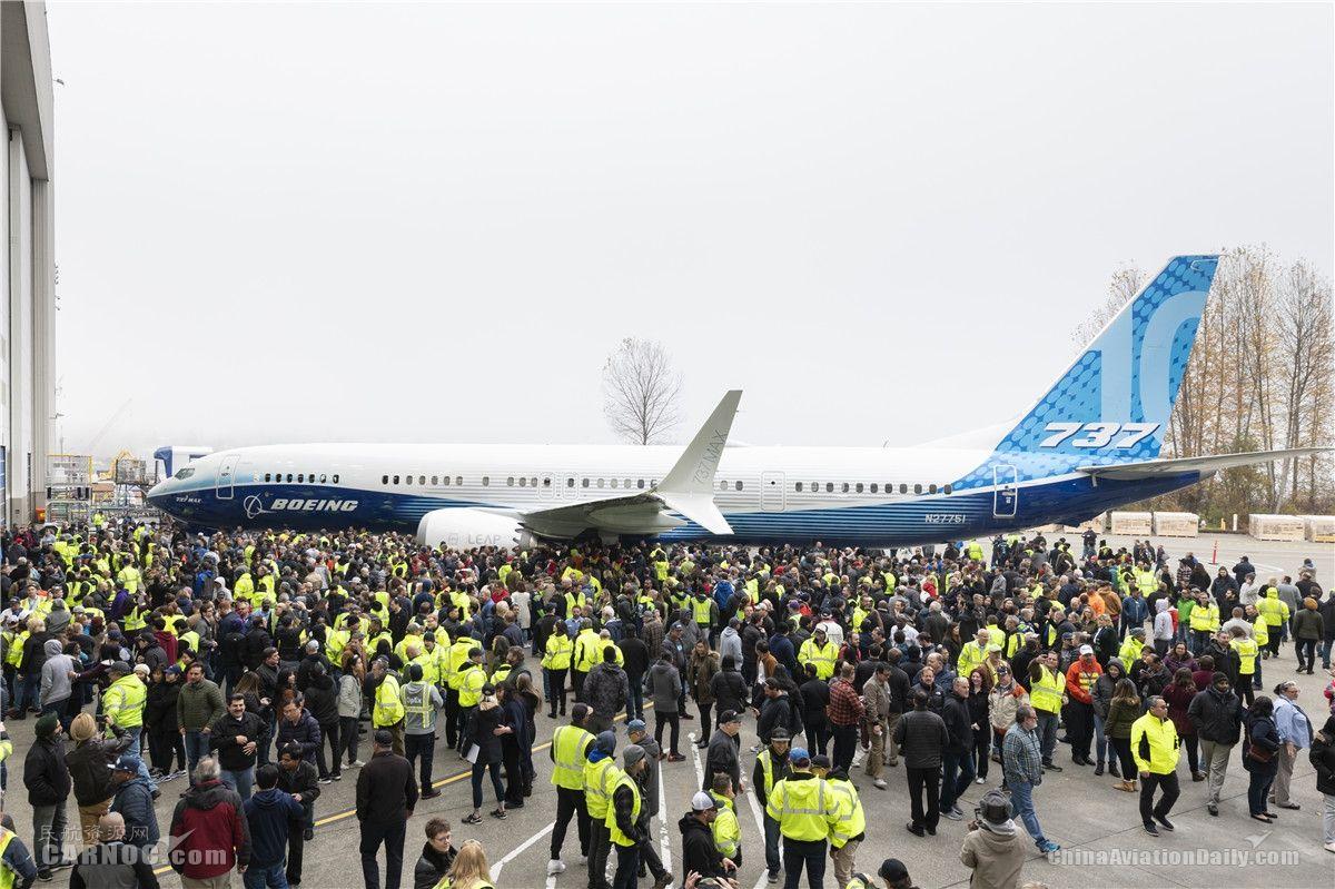 波音737 MAX 10首次亮相 预计明年首飞