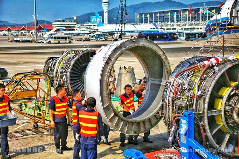 """南航海口飞机维修厂首次客场作战 机坪上完成新型""""换心手术"""""""