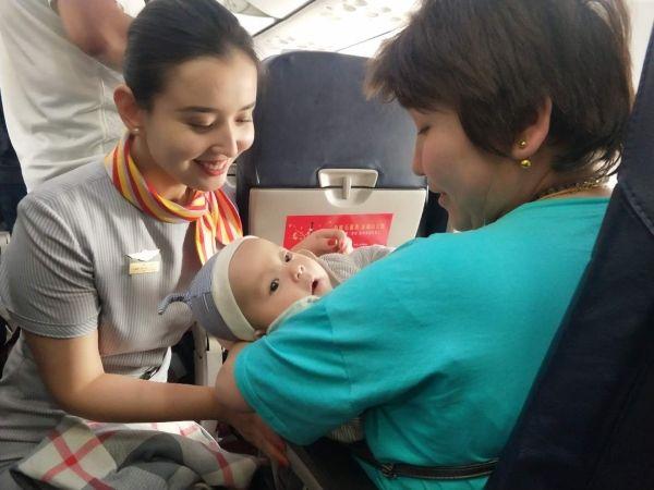 乌鲁木齐航空再努拉:云端之上的民族团结之花