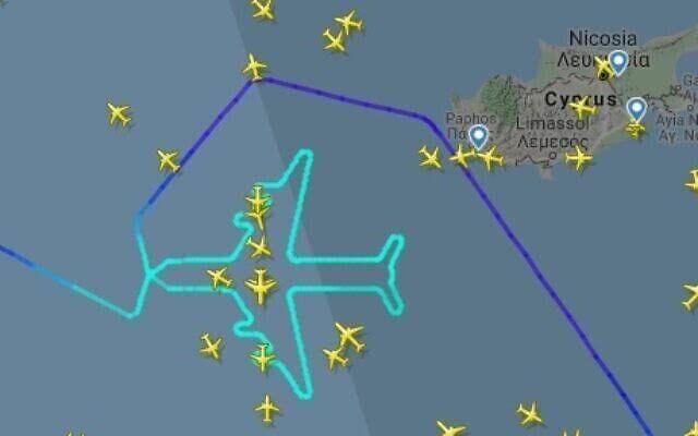 以色列航空通過空中畫畫的方式告別747飛機