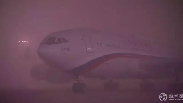 大雾天俄罗斯国防部长专机无法降落 为何普京总统专机能降?