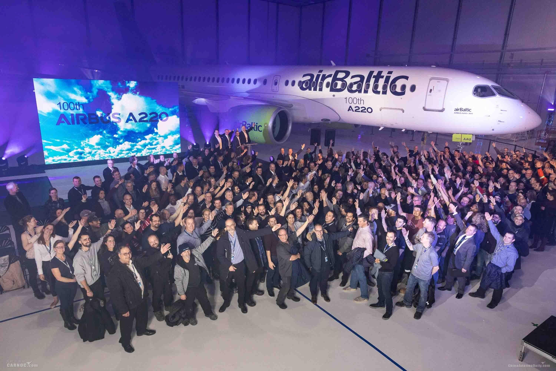空中客车庆祝第100架A220飞机下线