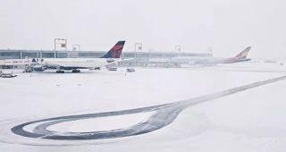 近6000架航班延誤 數條公路關閉 冬季風暴繼續襲擊美國