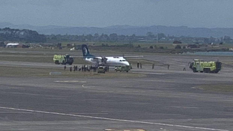烟雾报警灯突然亮起 新西兰航空客机紧急降落机场