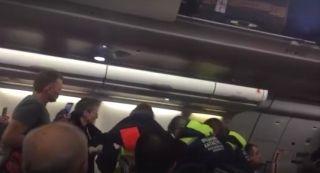 俄航飛香港航班上一名乘客暈厥 飛機超重返航安全著陸