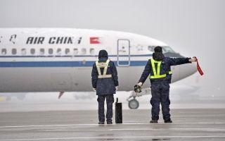 Ameco机务人迎战今冬第二场大雪
