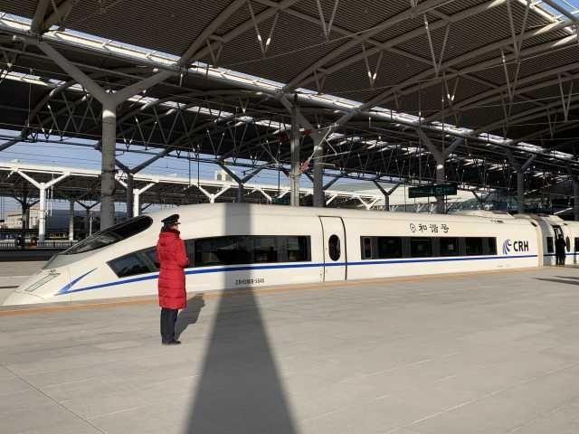 """""""宁夏首条高铁""""银兰客专线今日正式开通"""