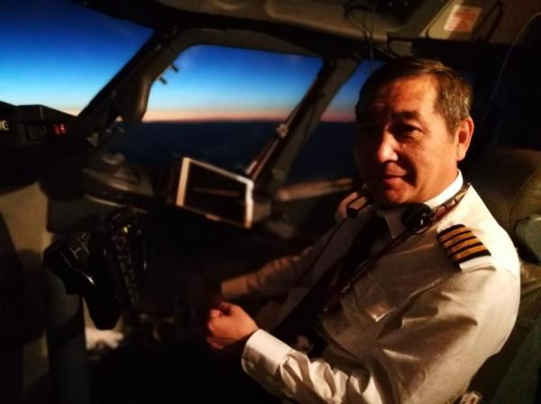 乌鲁木齐航空机长范润龙:用飞行绘就人生最美底色