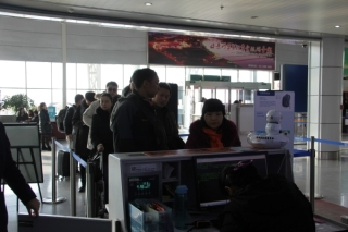 巴彦淖尔机场春运首日发送旅客1588人次