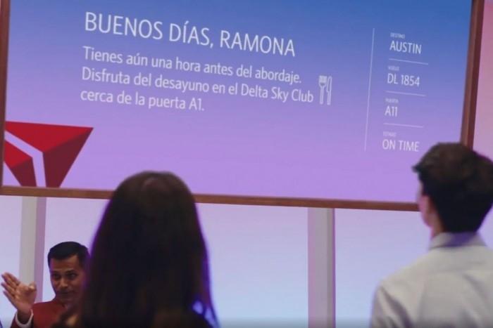 同一块屏幕、不同的信息:达美航空开始测试平行现实屏幕技术